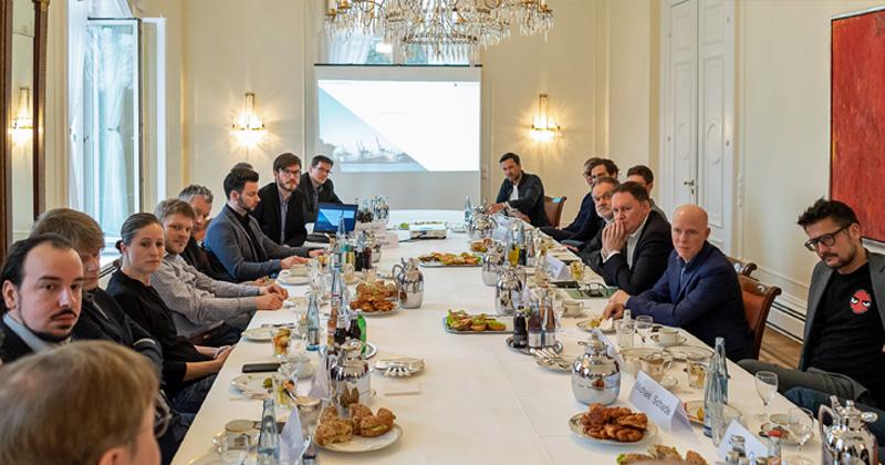Spitzengespräch im Gästehaus des Senats mit 20 Geschäftsführern der Hamburger Spielebranche (Foto: Julia Rogalitzki)
