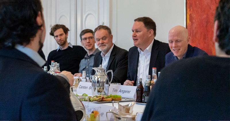 Hamburgs Kultursenator Carsten Brosda (SPD) beim Roundtable mit der Hamburger Spielebranche (Foto: Julita Rogalitzki)