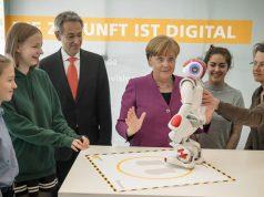 Girls' Day 2020: Ministerien und Politiker unterstützen auch in diesem Jahr die Aktion (Foto: girls-day.de / Gordon Welters)