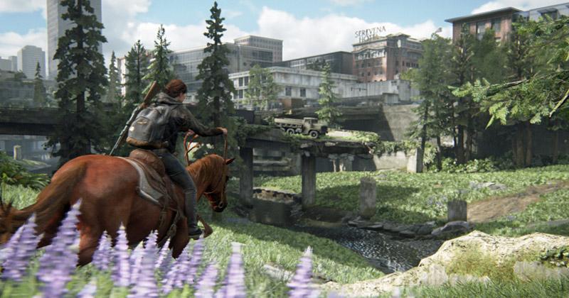 """Szene aus """"The Last of Us Part 2"""": Per Pferd legt Ellie längere Strecken in Seattle zurück (Abbildung: Sony Interactive)"""