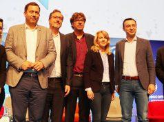 """Lars Klingbeil (SPD, 2.v.l.) und Paul Ziemiak (CDU, 2.v.r.) stellen sich auch 2020 den Fragen von """"Debattle Royale""""-Moderator Peter Smits (rechts)"""