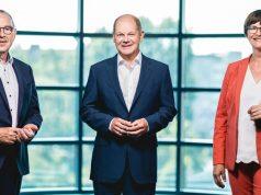 SPD-Kanzlerkandidat Olaf Scholz (Mitte) mit den beiden Parteivorsitzenden Norbert Walter-Borjans und Saskia Esken (Foto: Thomas Trutschel / Photothek)