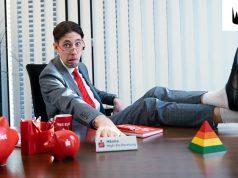 YouTuber HandOfBlood schlüpft für die Sparkasse in die Rolle des E-Sport-Beraters (Foto: Jung von Matt Sports)