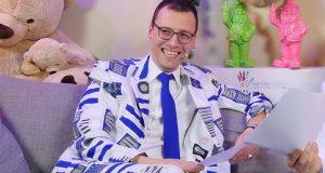 Unternehmer Stefan Marcinek - hier als Moderator der GermanDevDays Awards 2020 (Foto: Assemble Entertainment)