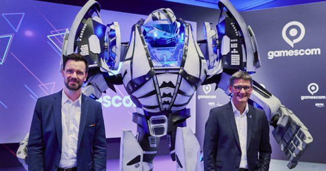 Felix Falk (Game-Verband) und Oliver Frese (KoelnMesse) bei der Wirtschafts-Pressekonferenz zur Gamescom 2021 (Foto: KoelnMesse / Oliver Wachenfeld)