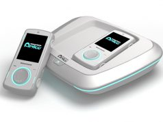 Die Intellivision Amico ist in verschiedenen Farben erhältlich - hier das Modell 'Glacier White' (Abbildung: Koch Media)