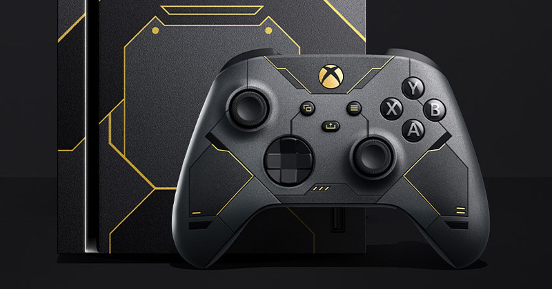 Im Lieferumfang des Xbox Series X Halo Infinite-Sondermodells enthalten: der passende Controller (Abbildung: Microsoft)