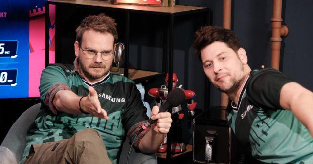 Szene der Gamevasion 2021 mit den Rocket-Beans-Moderatoren Etienne Gardé und Simon Krätschmer (Abbildung: Rocket Beans Entertainment)